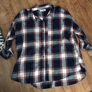 Old navy boyfriend plaid flannel shirt